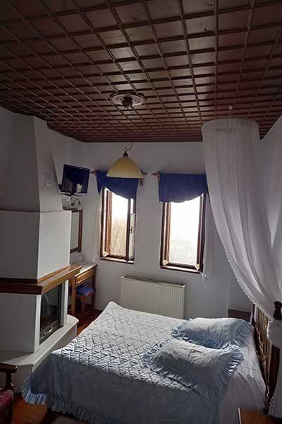 Archontiko Theodora Seven Room Photo
